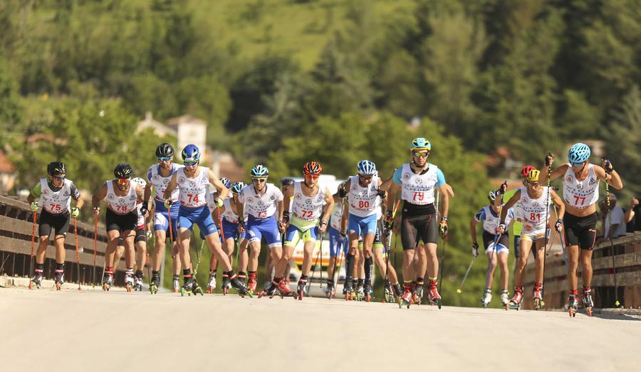 la squadra di skiroll si allena a Cervasca